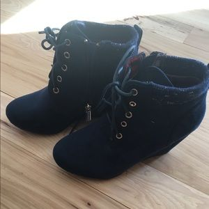 Navy blue suede wedge size 7